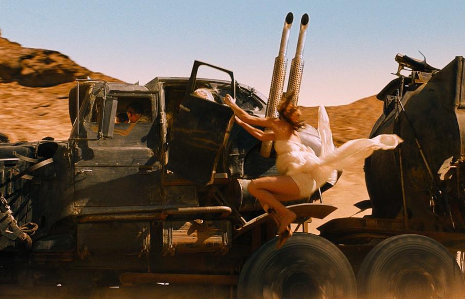 10. Mad Max les jambes des filles